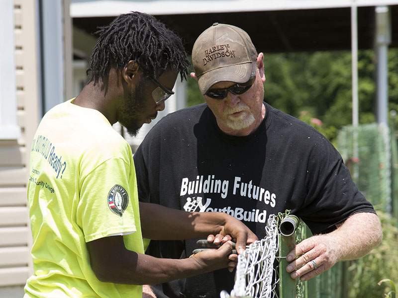 L C S Youthbuild Lowe Team Up To Improve Alton Neighborhood