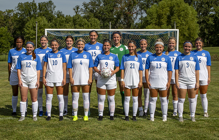 2017-18 Women's Soccer team