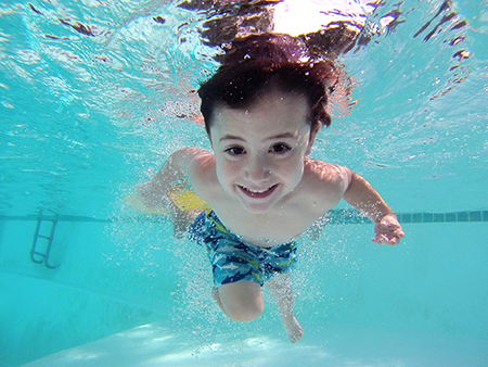 kids-swim-stock